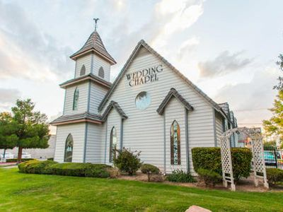 Top ten best wedding chapels in las vegas for Best wedding chapels in vegas