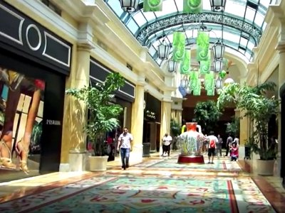 Shopping at Bellagio Hotel in Las Vegas