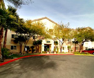 crestwood-suites-las-vegas-flamingo-road