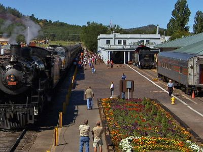 A train tour to the Grand Canyon with spectacular views