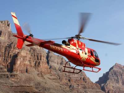 grand-voyager-tour-in-las-vegas-helicopter-tour