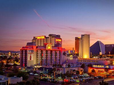 Hooters hotel and casino las vegas texas corpus christi casino boats