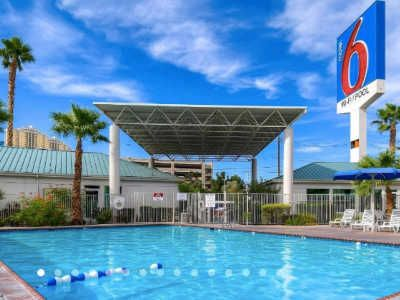 Cheap Hotels Near Las Vegas Airport With Free Shuttle