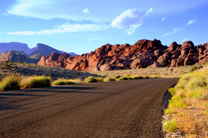 Scenic loop drive that goes around Red Rock Canyon