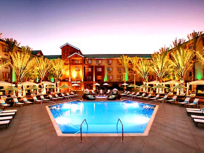 Las Vegas Sway Pool Lounge at Silverton Hotel