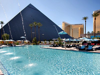 Las Vegas Temptation pool at Luxor