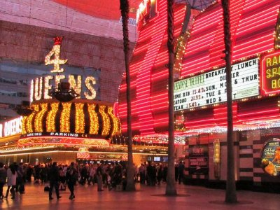Fun things to do on fremont street experience las vegas for Red coach motor lodge san francisco