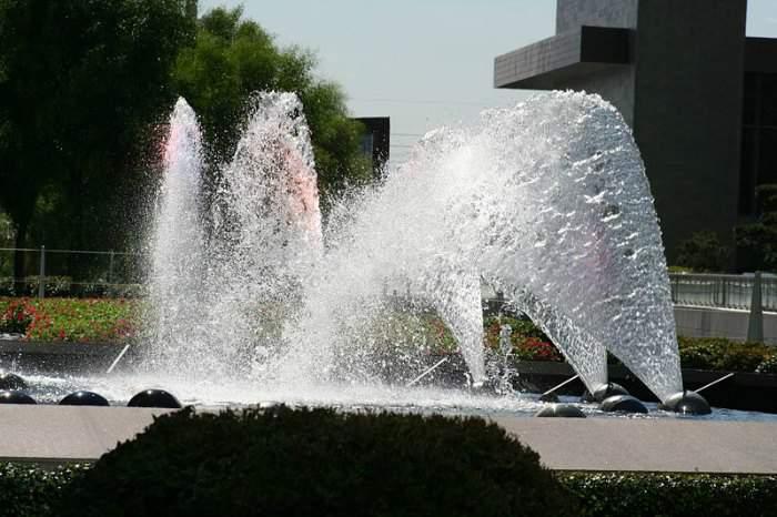 aria-fountains-las-vegas