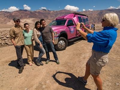 death-valley-pink-jeeps-tour