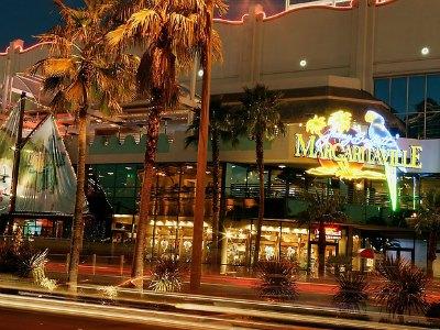 Nightlife at the Flamingo Hotel in Las Vegas