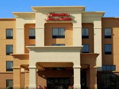 hampton-inn-suites-las-vegas