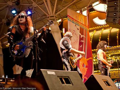 free concerts  at Fremont Street experience Las Vegas
