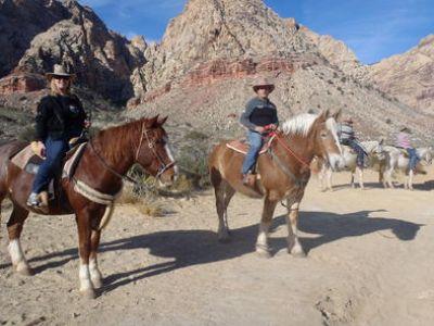 wild-west-lunch-horseback-ride-las-vegas