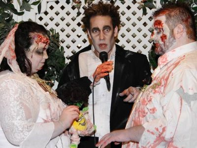 The Zombie Themed Las Vegas Wedding Package Is Perfect For Couples With A Sense Of Adventure And Liking Unique Provides Decor